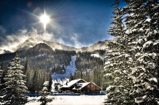 "Private Air Luxury Homes Magazine's ""Win a VIP Ski Experience for Two"" Sweepstakes"