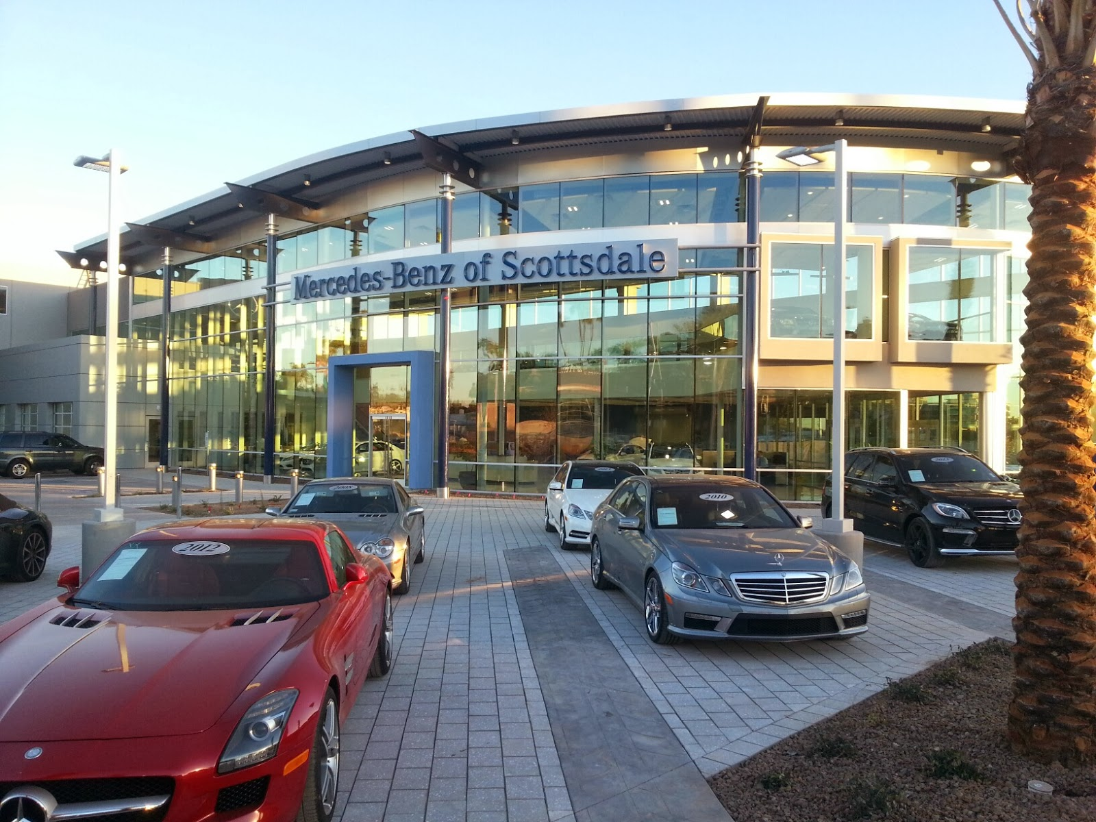 Artistic paver mfg features driveway pavers at the for Mercedes benz house of imports service