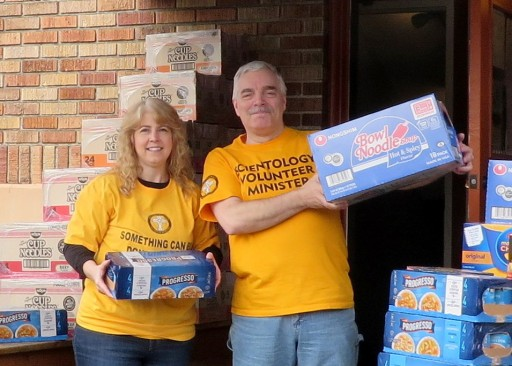 Seattle Scientologists Support Local Food Bank