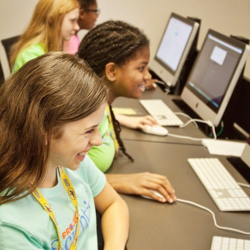 Project Scientist to Offer Coding Program for Girls in Charlotte, NC