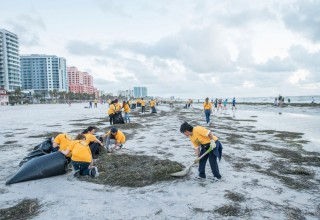 Volunteer Ministers clean up Clearwater Beach