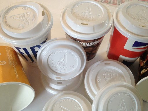Branded Paper Cups Super Offer: Order Over 5000 Cups and The Lids Are FREE!