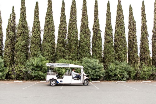 Laces and Limos Electric Vehicles Are Now Buzzing Through Downtown Napa