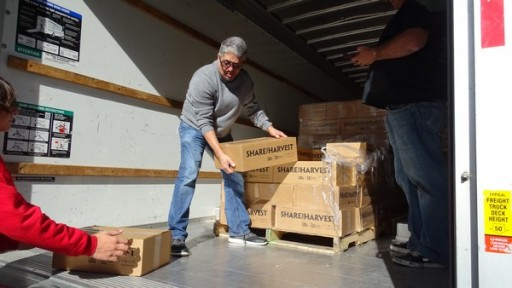 Dr. Noman Quintero to Distribute 2,500 Grocery Boxes to the Homeless in Time for Christmas