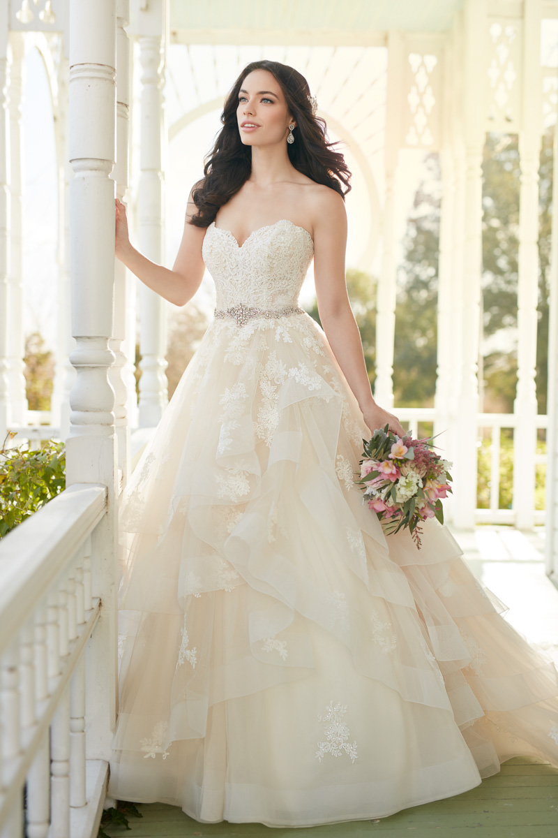 Martina Liana Designer Wedding Dress Style 821
