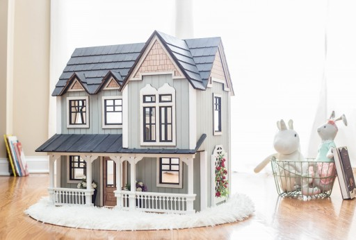 Buy-One Give-One Dollhouses Spark Imagination This Holiday Season