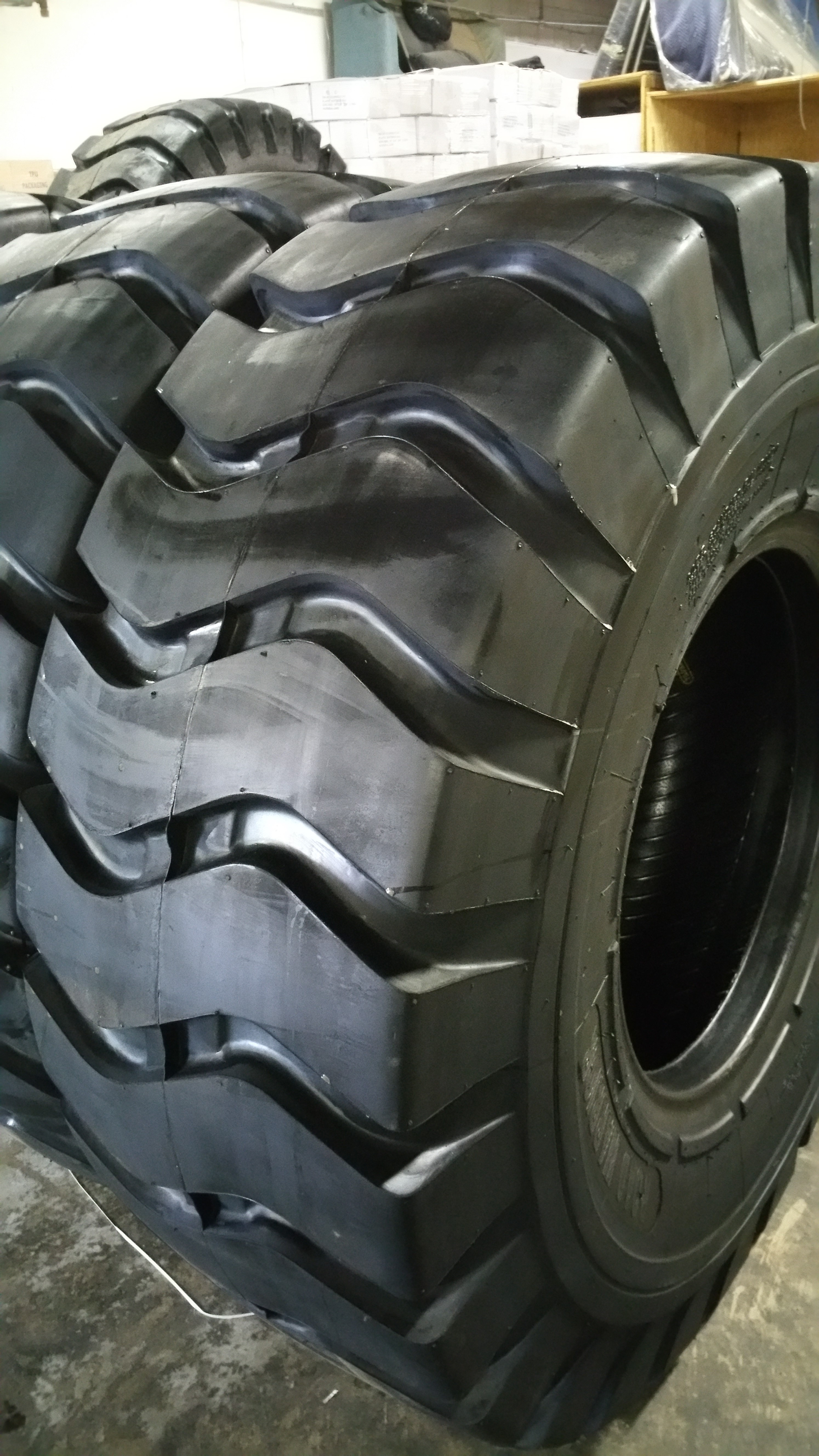 ROAD WARRIOR Tires, the Global Leader in the Tire Industry for Truck, Loader, and Bobcat Skid ...