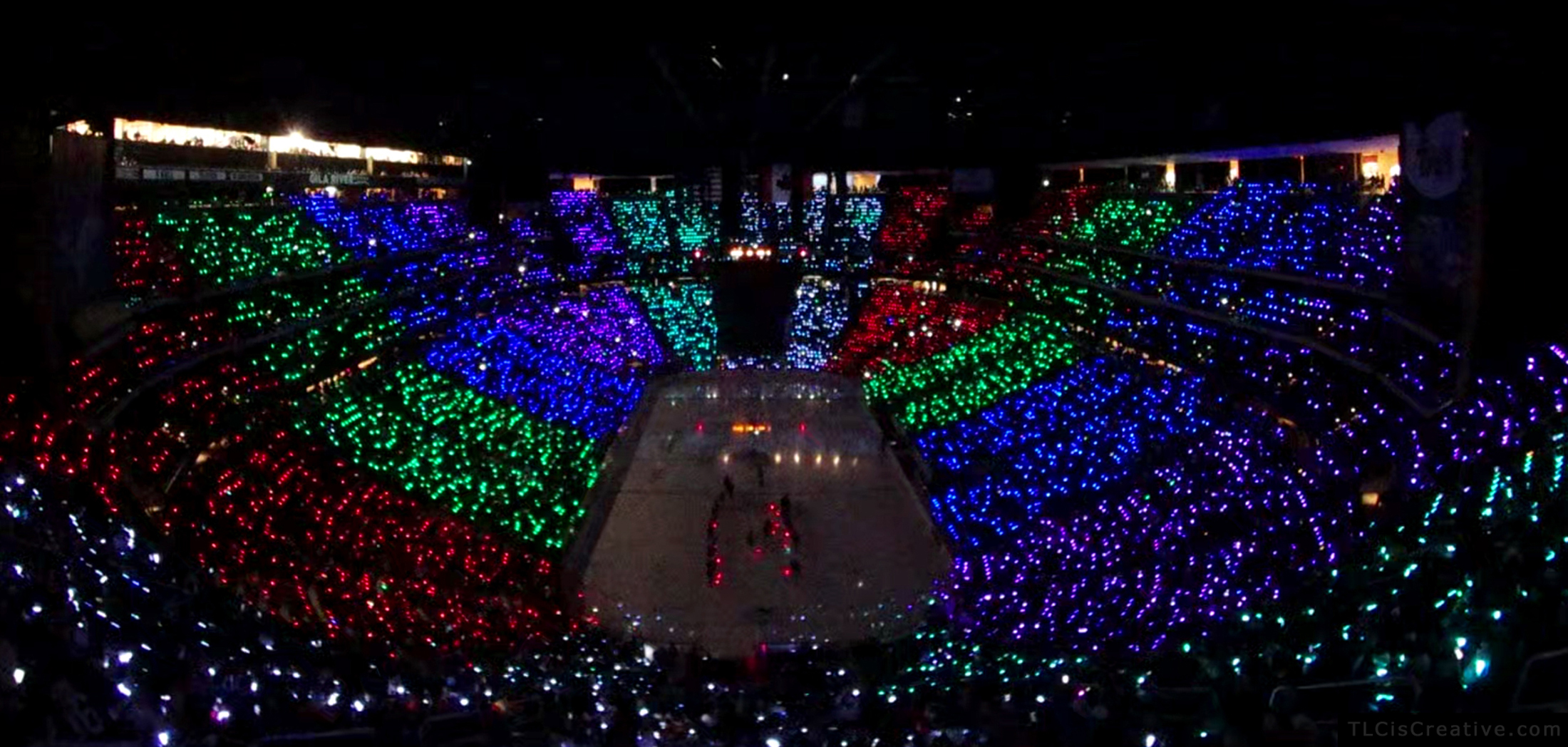 xylobands light up arizona coyotes season opener with a 250 000 led light show newswire. Black Bedroom Furniture Sets. Home Design Ideas